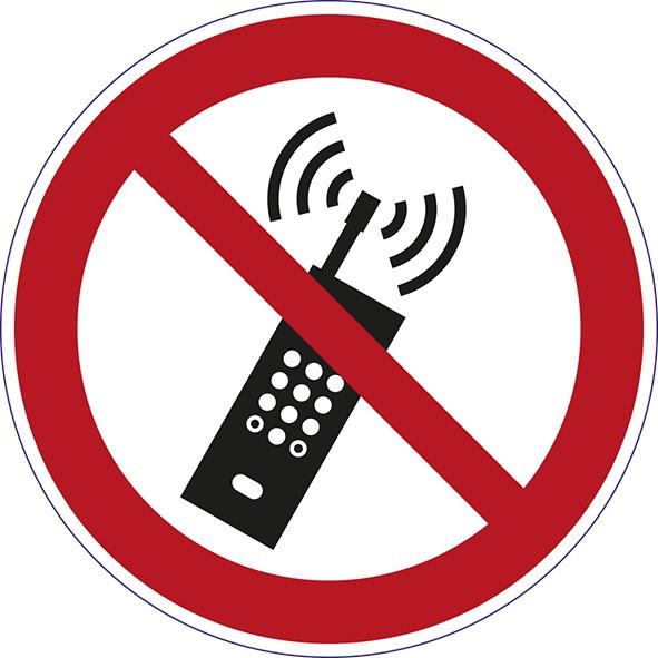 ISO 7010 - P013 - eingeschaltete Mobiltelefone verboten